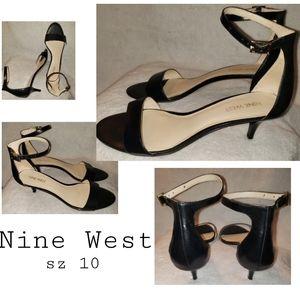Nine West ankle strap kitten heels. Sz 10